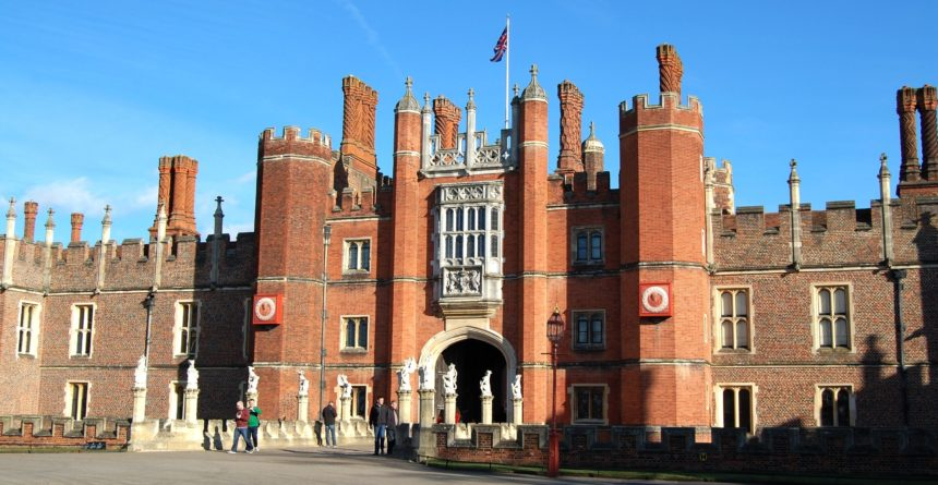 Hampton_Court_Palace